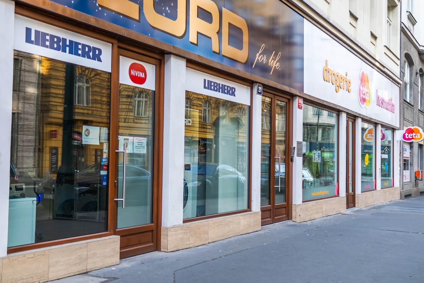 Okna do obchodních prostor – Praha 1, Na Poříčí