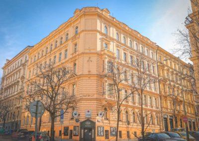 Špaletová okna v BD – Praha 2, Vinohrady, Anny Letenské